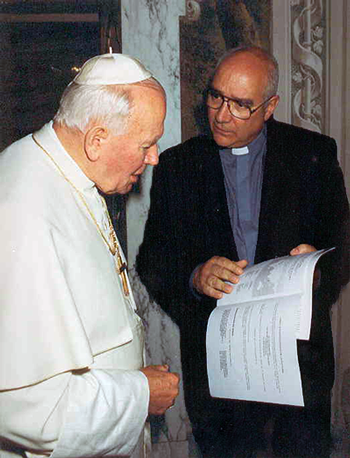fr-carlos-buela-with-pope-john-paul-the-second